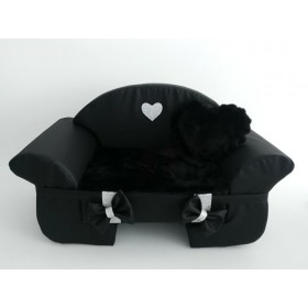 Eh Gia sofa black + heart
